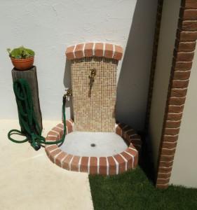立水栓はモザイクタイルで